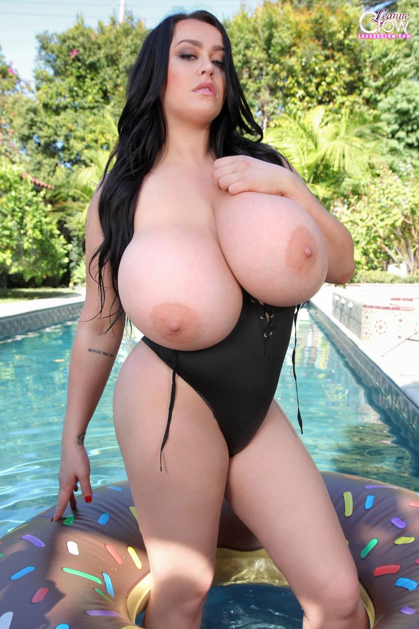Leanne crow big boobs pool for the