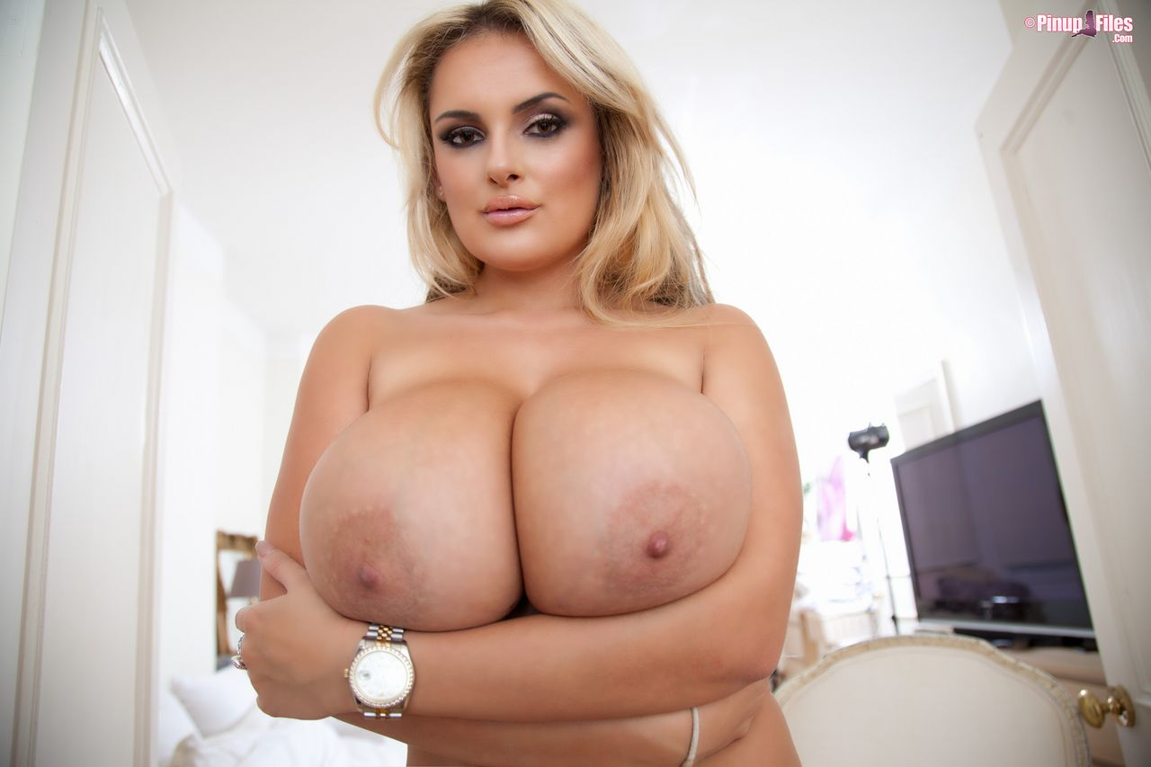 Big boobs in bikini titjob specialist dh 9