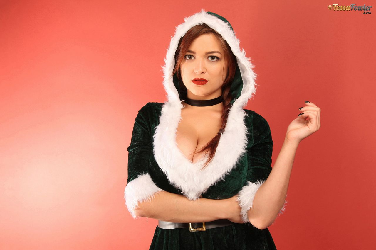 Tessa Fowler Christmas Velvet Set 1 adult gallery